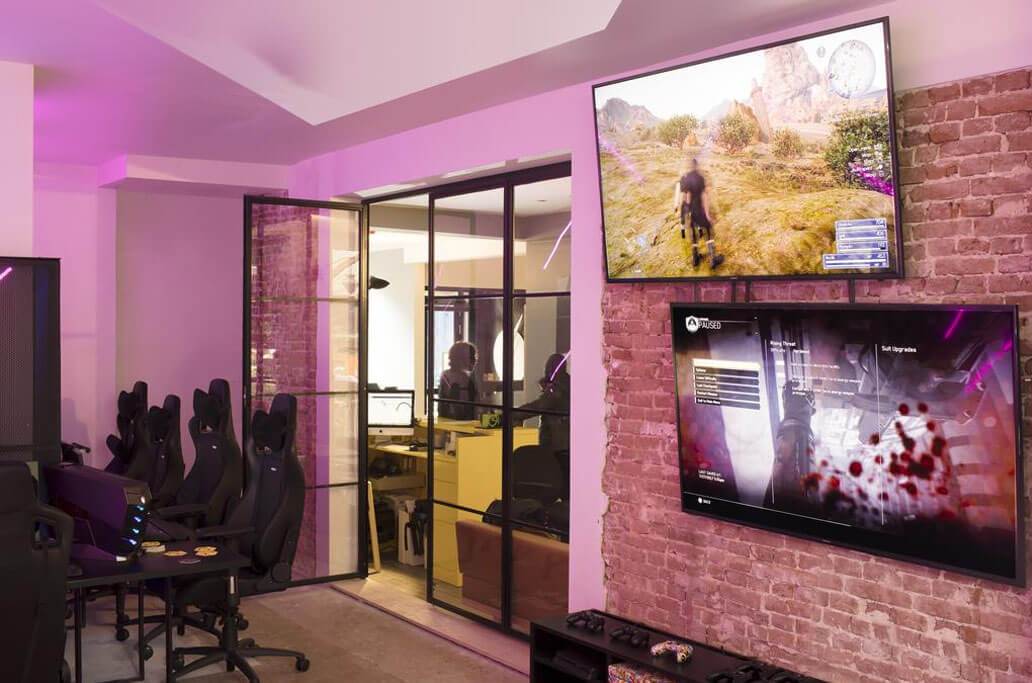 Japan's First E-Sports Hotel To Open In Osaka